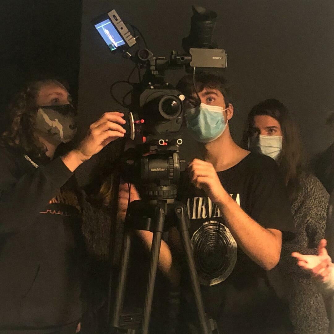 První ročník se pustil do natáčení prvního filmového cvičení